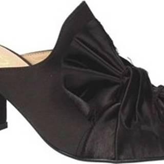 Pantofle 1536 Černá