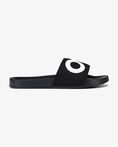 Černé pantofle Oakley