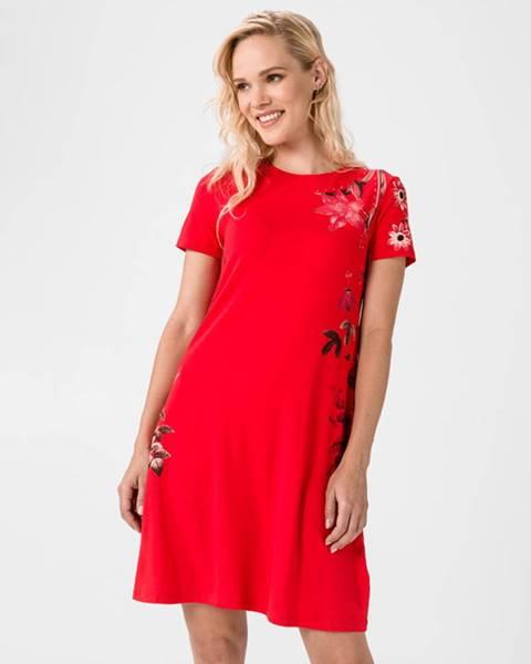 Červená sukně desigual