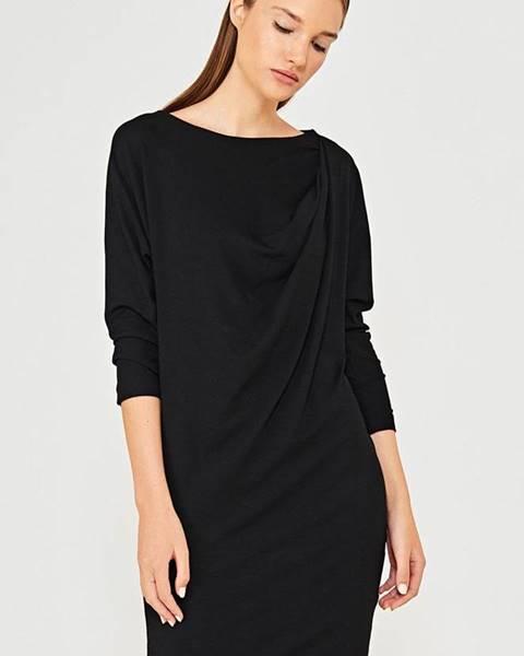 Černé šaty Simple