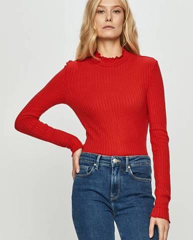Červený svetr noisy may