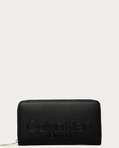 Peněženky Calvin Klein