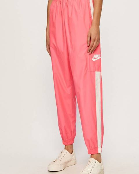 Růžové kalhoty Nike Sportswear