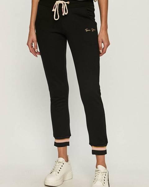 Černé kalhoty femi stories