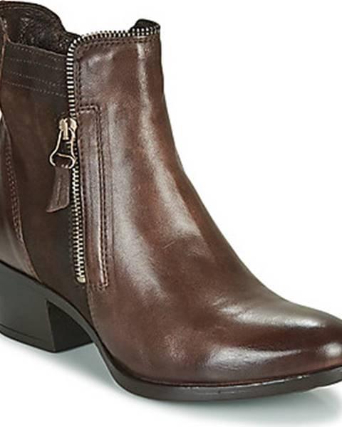 Červené boty Mjus