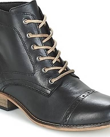 Betty London Kotníkové boty FOLIANE Černá