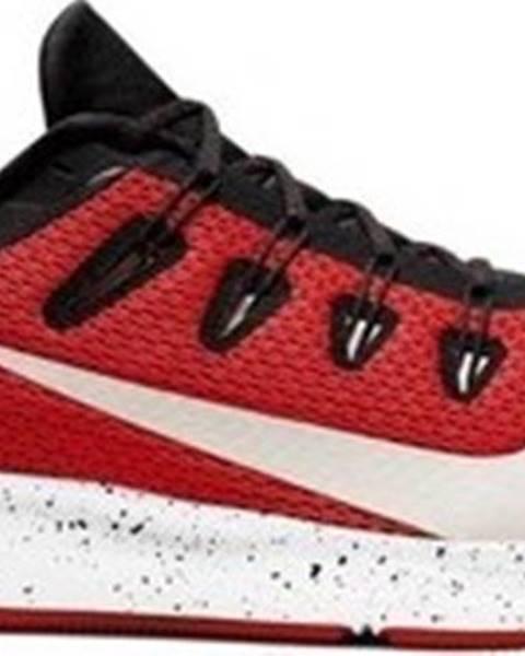 Červené boty nike