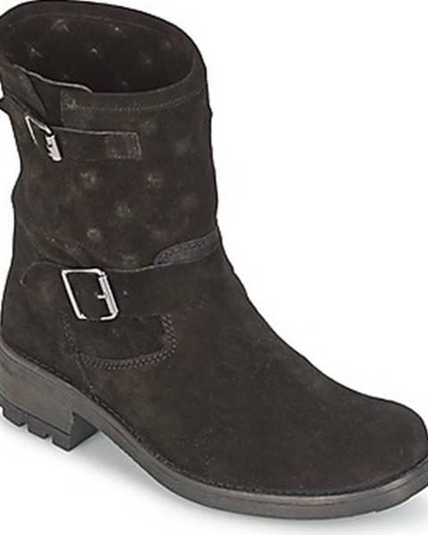 Černé boty Naf Naf