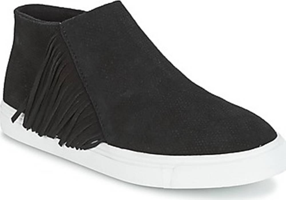 Minnetonka Minnetonka Kotníkové boty GWEN BOOTIE Černá