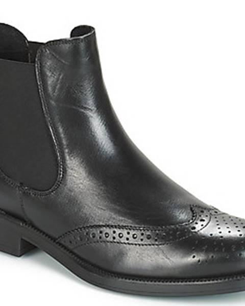 Černé boty Betty London