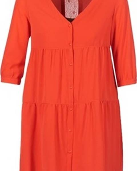 Červené šaty Betty London