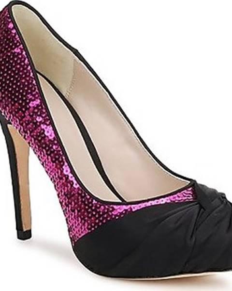 Růžové boty Bourne