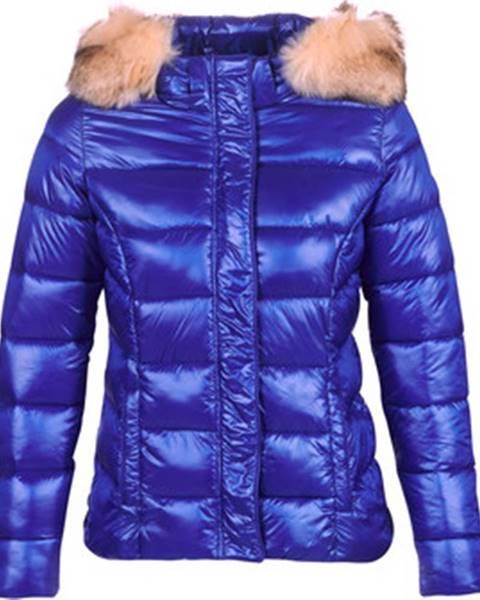 Modrá bunda Kaporal