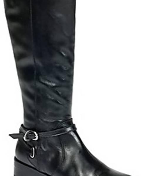 Černé kozačky Betty London