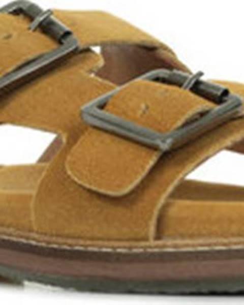 Sandály Kickers