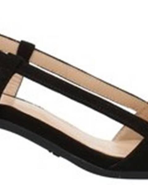 Černé sandály Frau