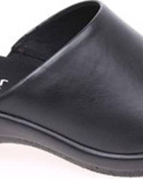 Černé pantofle Gabor