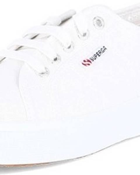 Bílé tenisky Superga