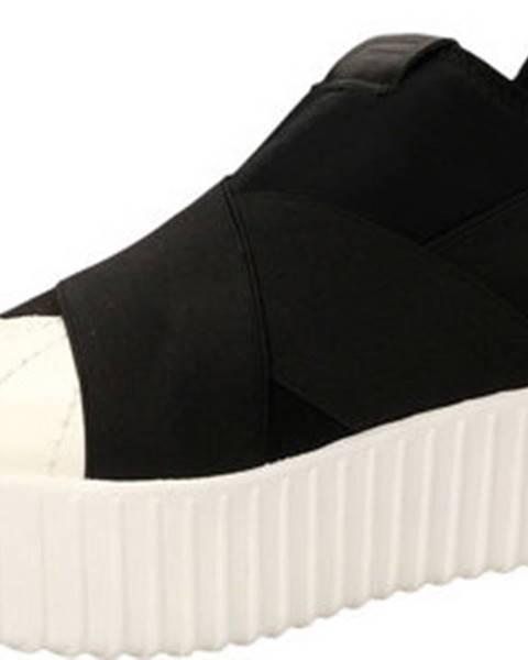 Bílé boty Fessura