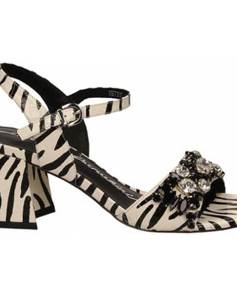 Jiná barva sandály Luciano Barachini