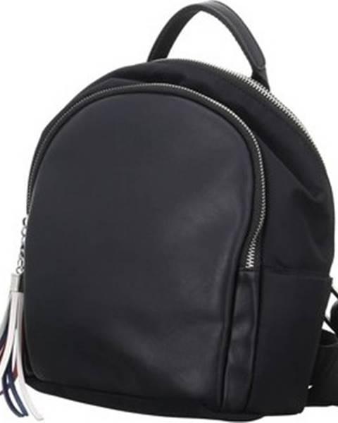 Černý batoh Rieker