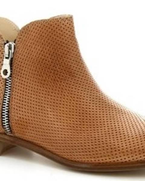 Hnědé kozačky Leonardo Shoes