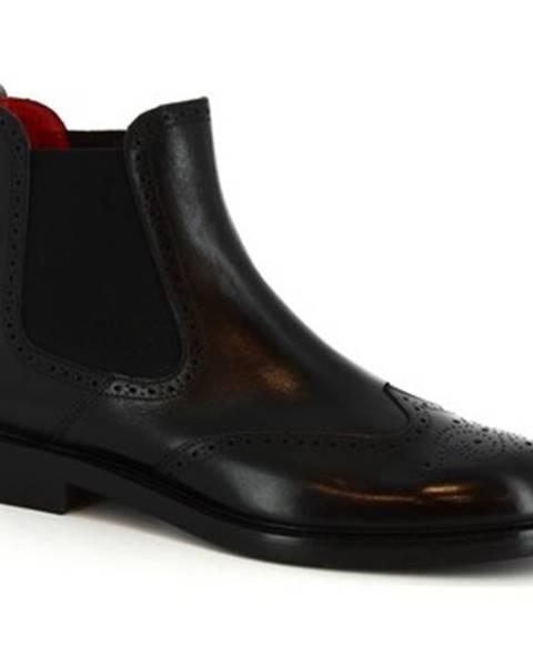 Černé kozačky Leonardo Shoes