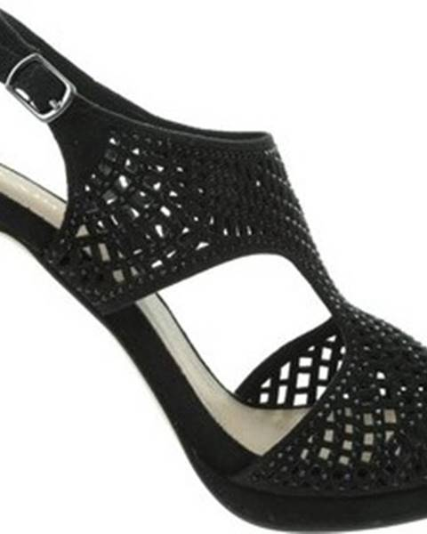 Černé sandály Menbur