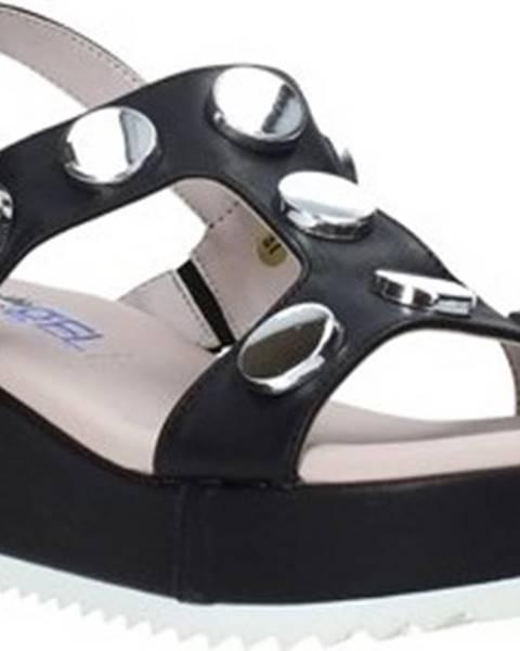 Černé sandály Comart