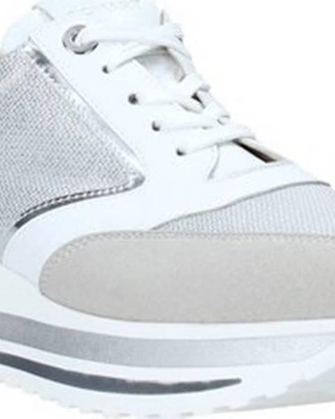 Stříbrné tenisky Comart