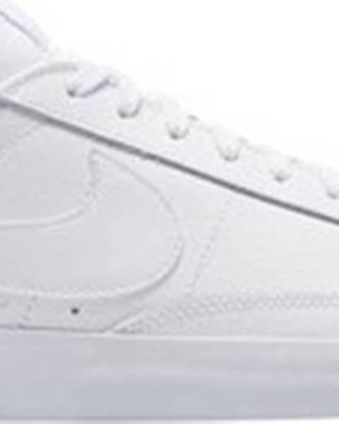 Bílé tenisky nike
