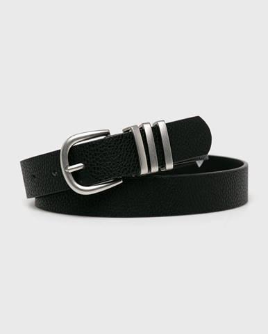 Černý pásek pieces
