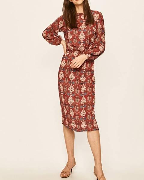 Burgundské šaty ANSWEAR
