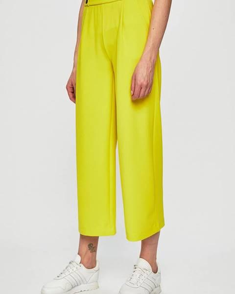 Žluté kalhoty jacqueline de yong