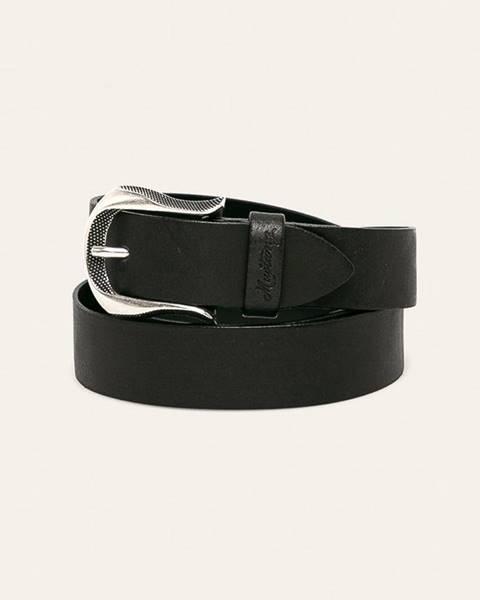 Černý pásek Mustang
