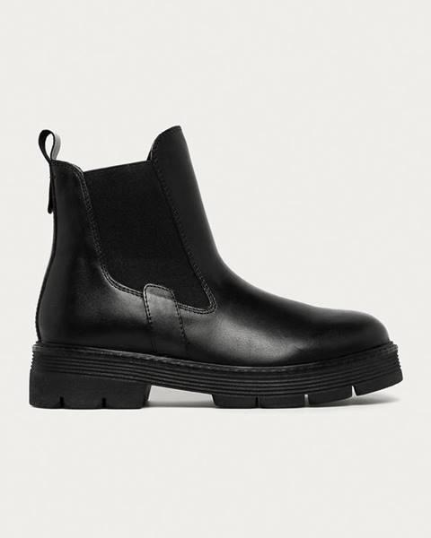 Černé boty Marco Tozzi