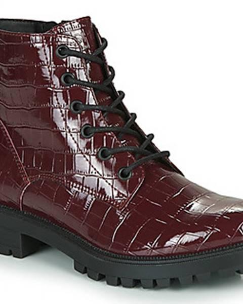 Červené boty Esprit