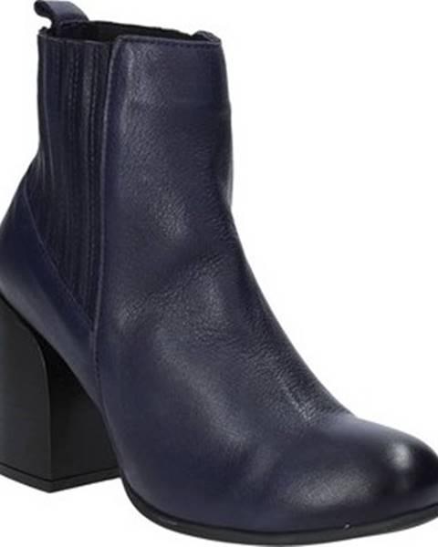 Kozačky Bueno Shoes