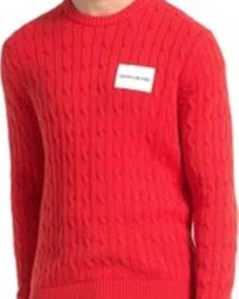 Červený svetr calvin klein jeans