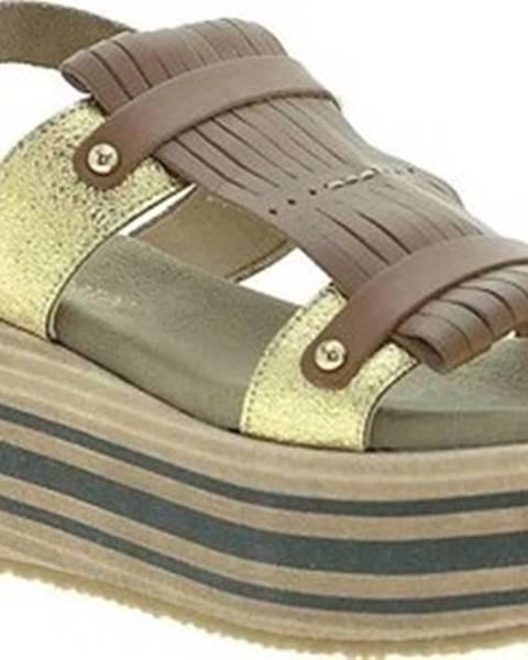 Hnědé sandály Pregunta