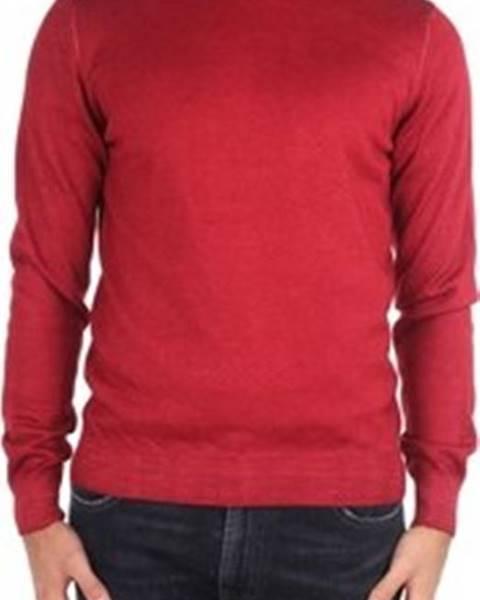 Červený svetr La Fileria