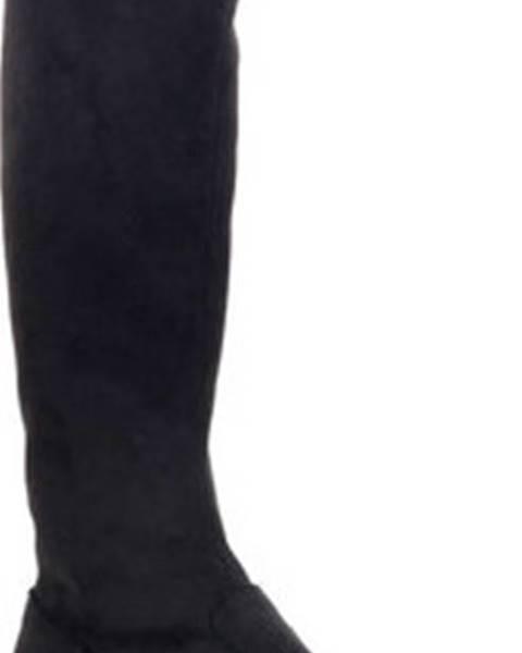 Černé kozačky Frau