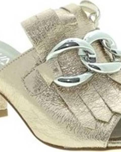 Zlaté sandály Pregunta