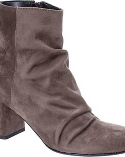 Hnědé kozačky Grace Shoes