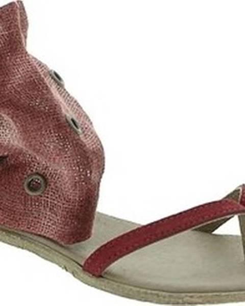 Červené sandály 18+