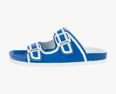 Modré pantofle Pantone Universe