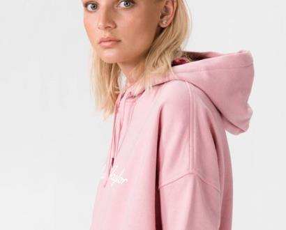 Růžový svetr converse