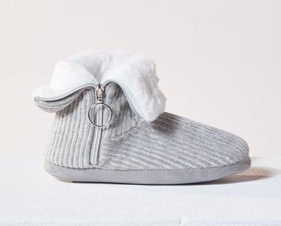 Černé boty Etam