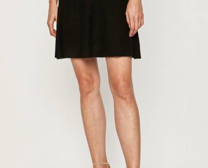 Černá sukně only