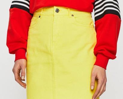 Žlutá sukně noisy may